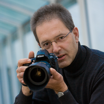 Jens Stachowitz mit Kamera - Copyright by Guenter Lintl